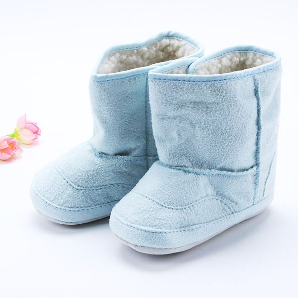 What to look for in baby walking shoes